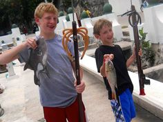 Talented spearfishing boys #spearfishing #cozumel