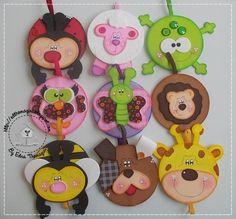 molde gatinho e v a marca paginas - Pesquisa Google Cd Crafts, Foam Crafts, Recycled Crafts, Diy And Crafts, Arts And Crafts, Paper Crafts, Easy Crafts For Kids, Art For Kids, Felt Bookmark