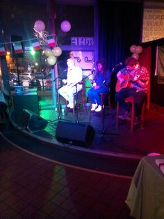 The evening commences with lots of different styles of performances all with the chance to win £100 cash prize