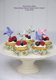 Classic Ivory Cake Stand from Rex London - the new name for dotcomgiftshop. Baking Set, Baking Ideas, More Cupcakes, Pedestal Cake Stand, Natural Candles, Afternoon Tea Parties, Great British Bake Off, Gifts For Cooks, Nutrition