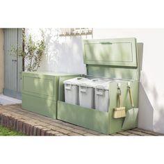 ディノス(dinos)オンラインショップ、こちらは欧風ダストボックス 奥行37cm ペール2個付きの商品ページです。商品の説明や仕様、お手入れ方法、 買った人の口コミなど情報満載です。 Garden Entrance, Trash Bins, Room Organization, House Rooms, Outdoor Furniture, Outdoor Decor, Outdoor Spaces, Diy And Crafts, Cool Stuff