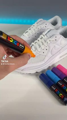 Custom Sneakers, Custom Shoes, Posca Marker, Diy Clothes Design, Cute Nike Shoes, Nike Shoes Air Force, Sneakers Fashion Outfits, Sneaker Art, Painted Shoes