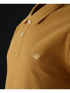 Twisted Soul presents this plain polo shirt featuring two button placket, crown logo on chest and short sleeves. Plain Polo Shirts, Fathers Day Gifts, Gift Guide, Polo Ralph Lauren, Short Sleeves, Mens Tops, Gold, Fashion, Moda