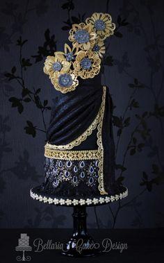 Oriental Elegance in Black & Gold - Cake by Bellaria Cake Design White Wedding Cakes, Beautiful Wedding Cakes, Gorgeous Cakes, Pretty Cakes, Amazing Cakes, Unique Cakes, Elegant Cakes, Creative Cakes, Edible Creations