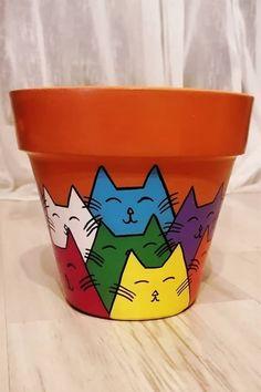 Flower Pot Art, Flower Pot Design, Clay Flower Pots, Terracotta Flower Pots, Flower Pot Crafts, Clay Pots, Painted Flower Pots, Painted Plant Pots, Decorated Flower Pots