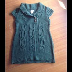 Size M Adorable sweater vest Sweater vest that is perfect with jeans or leggings. Great condition. Some very minor piling on the back (see second photo). Sweaters