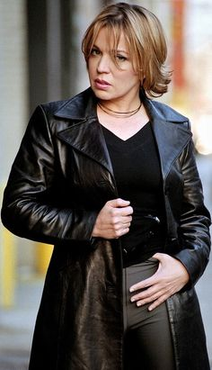 Mariska Hargitay and Ednita Nazario Long Leather Coat, Black Leather, 8th Of March, Elegant Outfit, Fashion Story, Sophisticated Style, Mantel, Dress Skirt, Women Wear