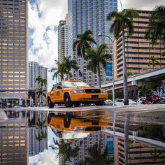 Beautiful reflection of downtown Miami by @oasisjae #mondaymotivation #reflection