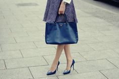 Prada bag, high heels Badura, polka-dot dress, styling for work, inspiration. Navy blue. #heel #shoes #prada #pradabag #blue #styling