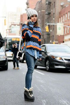Miroslava Duma, jeans, chambray shirt, striped sweater, grey beanie, color-block bag, grey wedge booties ☑️
