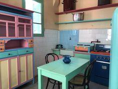 La cocina de la Casa Museo de #Quinquela Martín. El color presente en cada uno de los lugares por donde pasó el artista de #LaBoca.
