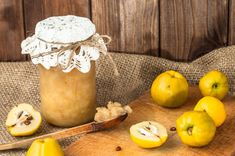 Gem de gutui - Retete culinare - Romanesti si din Bucataria internationala Quince Jelly, Juice Of One Lemon, Ginger And Cinnamon, Homemade Biscuits, White Meat, Low Calorie Recipes, Savoury Dishes, Vegan Gluten Free, Nutrition