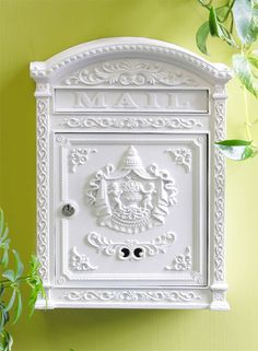 Victorian Locking Mailbox - Click window to close.