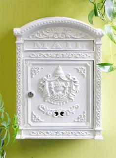 Victorian Locking Mailbox - Click window to close.