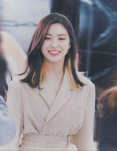 Kpop Girl Groups, Korean Girl Groups, Kpop Girls, Korean Princess, Hair Color Streaks, Kpop Girl Bands, Dyed Hair, Girl Crushes, My Girl