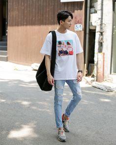 So basic yet burnin korean fashion men, korean men, korea fashion, urban fashion Korean Fashion Pastel, Korean Fashion Winter, Korean Fashion Summer, Korean Fashion Men, Winter Fashion Casual, Korean Street Fashion, Korea Fashion, Mens Fashion, Fashion Outfits