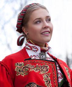 Idea - Scandinavian folk dress with modern twist clothing line Folk Clothing, Historical Clothing, Folk Fashion, Ethnic Fashion, Norwegian Clothing, German Folk, Scandinavian Folk Art, Frozen Costume, Folk Costume