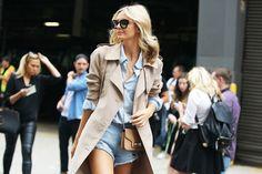 Street Looks à la Fashion Week printemps-été 2015 de New York, Londres, Milan et Paris http://www.vogue.fr/mode/inspirations/diaporama/street-looks-denim-a-la-fashion-week-printemps-ete-2015-de-new-york-londres-milan-et-paris/20667/image/1104823#!7