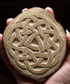 Oak slice by mossy-tree.deviantart.com. Not really scrimshaw, but I don't have a woodcarving board. Yet.