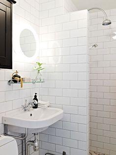 Gyprock Symphony cornice would look great in this bathroom. Don't forget to use cornice in the bathroom. Timeless design, subway tiles, dark grout