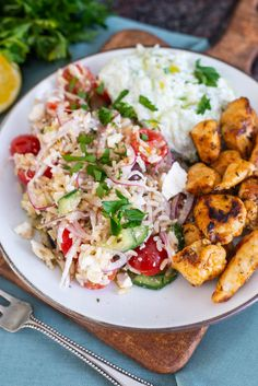 Diner Recipes, Greek Recipes, I Love Food, Good Food, Lunch Restaurants, Fish And Meat, Good Healthy Recipes, Simple Recipes, Tzatziki