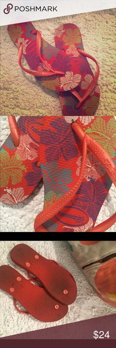 Havaianas Floral Havaianas; worn for only 1 season! Havaianas Shoes Sandals