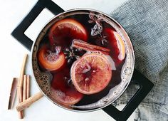 Pomegranate Mulled Wine — The Jewels of New York