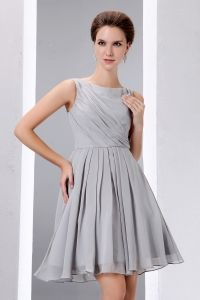 Grey A-line Scoop Knee-length Chiffon Ruch Dama Dresses for Quinceanera - $89.68