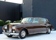 1970 Rolls Royce Limousine by Mulliner Park Ward, Rolls Royce Limousine, Rolls Royce Cars, Retro Cars, Vintage Cars, Fancy Cars, Classic Rolls Royce, Bmw Classic Cars, Classic Auto, Rolls Royce Phantom