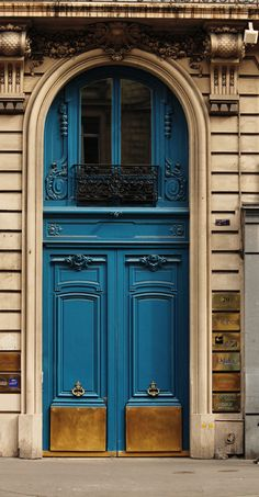 door.... Paris