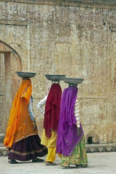 Women of India. www.urbanrambles.com