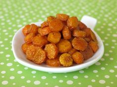 roast carrot coins - toddler food http://bit.ly/HqvJnA