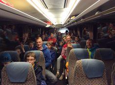 2.4 Viron joukkueet matkalla Lahteen. Oppaina Denis ja Markus