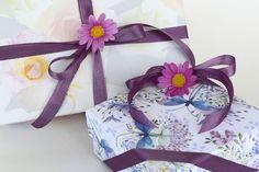 Jak Zapakowac Koc Na Prezent Simple Gift Wrapping Gift Wrapping Unique Gift Wrapping