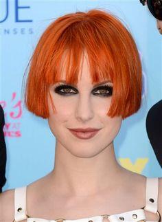 ¿Qué te parece el corte y el color de Hayley Williams en los pasados Teen Choice Awards? ¡A nosotros nos encanta!