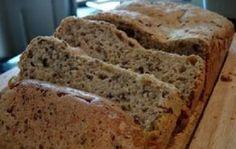 O Pão de Forma Integral Caseiro é fofinho, macio, saudável e delicioso. Ele é delicioso com manteiga, requeijão, geleias ou frios. Faça e confira! Veja Tam