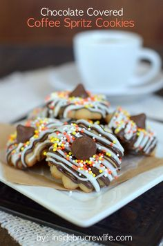Chocolate Covered Coffee Spritz Cookies - coffee spritz cookies covered in chocolate drizzles and sprinkles Spritz Cookies, No Bake Cookies, Cupcake Cookies, Cookies Et Biscuits, Cupcakes, Easy Cookie Recipes, Sweet Recipes, Baking Recipes, Dessert Recipes