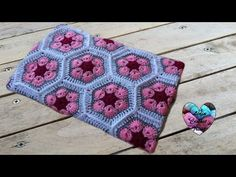 Couverture bebe crochet fleur africaine / Baby blanket african flowers - YouTube