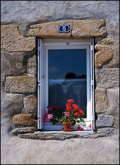 window in Auray, France