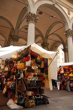 The open air leather market in Florence, Italy. Truly amazing to see and smells fantastic :) Places To Travel, Places To Visit, Italy Spain, Travel Goals, Travel Tips, Toscana, People Of The World, Future Travel, Italy Travel