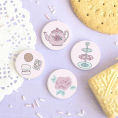 Biscuit Collection Badge