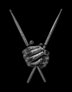 A Show of Hands is a photographic exhibition by photographer Tim Booth, studying the hands of artists, musicians, labourers and artisans. Trommel Tattoo, Tim Booth, Drums Wallpaper, Drum Tattoo, Drum Stick Tattoo, Drums Art, Play Drums, Black And White Aesthetic, Drum Kits