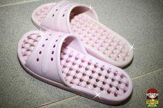 찌든때와 세균 가득한 '욕실화' 마법가루 2종으로 세척하기 Pool Slides, Diy And Crafts, Sandals, Shoes, Fashion, Moda, Shoes Sandals, Zapatos, Shoes Outlet
