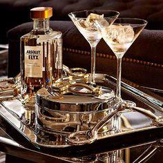 #vodka#absoluut#worldofeichholtz #party#tray#gucci#vintage #box#shakerboys#chic#belgravia#bar#newcollection
