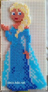 Queen Elsa - Frozen hama perler beads by Deco.Nat Queen Elsa - Frozen hama perler beads by Deco. Hama Beads Disney, Hama Disney, Diy Perler Beads, Perler Bead Art, Melty Bead Patterns, Pearler Bead Patterns, Perler Patterns, Beading Patterns, Frozen Hama