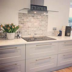 A kitchen splashback is a great way to create a focal point in your living space, just like has done with the beautiful Italiana Gris Brick Mosaic, a stunning travertine tile, enhanced by its soft greys, charcoals and creams creating the u Home Kitchens, Kitchen Remodel, Kitchen Design, Living Room Kitchen, Kitchen Diner, Trendy Kitchen Tile, New Kitchen, Kitchen Splashback, Kitchen Interior