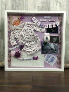 Baby birth shadow box, designed by Bea's, www.babybauch-abd… Baby birth shadow box, designed by Bea's, www. Shadow Box Baby, Newborn Shadow Box, Diy Shadow Box, Memories Box, Baby Memories, Baby Boy Pictures, Baby Frame, Baby Box, Baby Keepsake
