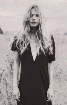 Blonde in black dress | @styleminimalism