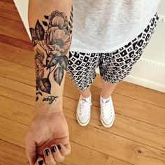 What do you think of this floral forearm piece rabbits? Tattooed by Hans. #whiterabbitink #floraltattoo #armtattoo