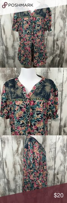 """Simply Couture Floral BOHO Tunic with tie waist This will be adorable with blue jeans and a jacket for layering in fall weather. It also works now in regions with warmer weather. This item is NWT. Across the underarms measures approx 20"""" and the length is approx 31"""". No stains or pulls. Simply Couture Tops"""